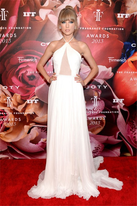 Fragrance-Foundation-Awards-2013-Red-Carpet-Taylor-Swift-Halter-Sheer-Dress_1
