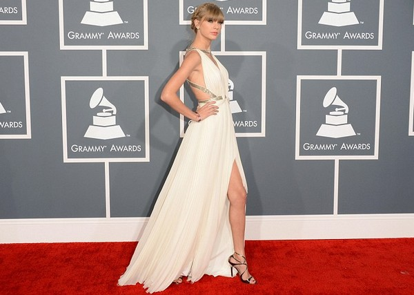 Grammy-Awards-2013-Rec-Carpet-Best-Dressed-Taylor-Swift-Grammys-2013-Red-Carpet-Fashion-And-Performance4