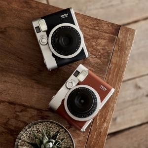 macchine-per-foto-istantanee-fuji-instax-mini-90-neo-classic-eaa