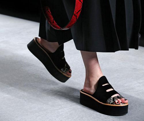 Moda scarpe primavera estate 2016 Sandali Fendi